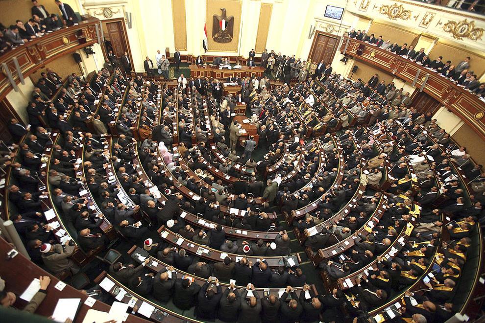 La hermandad musulmana preside el Parlamento Egipcio