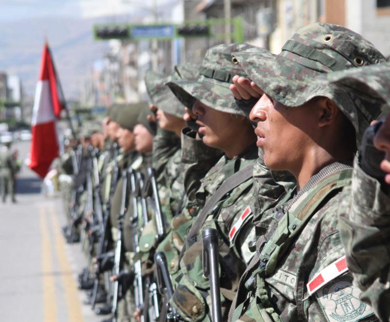 Decretando el servicio militar obligatorio