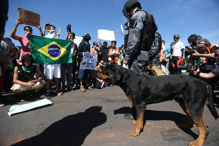 Brasil sale a las calles