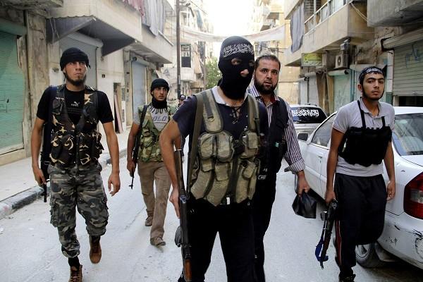 Combates entre Al Qaeda y rebeldes en Siria